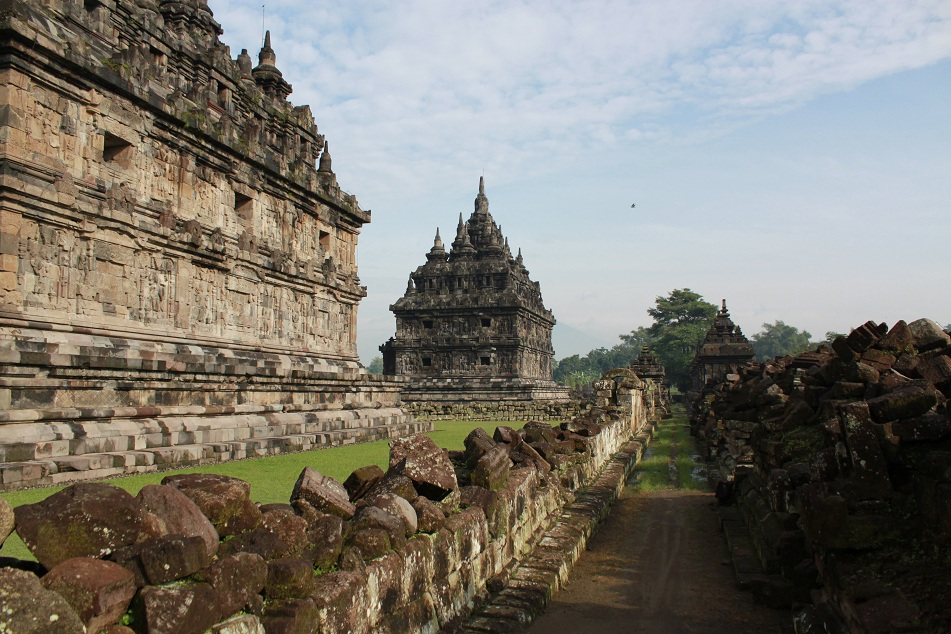 Beautiful Temples Devoid of Other Visitors