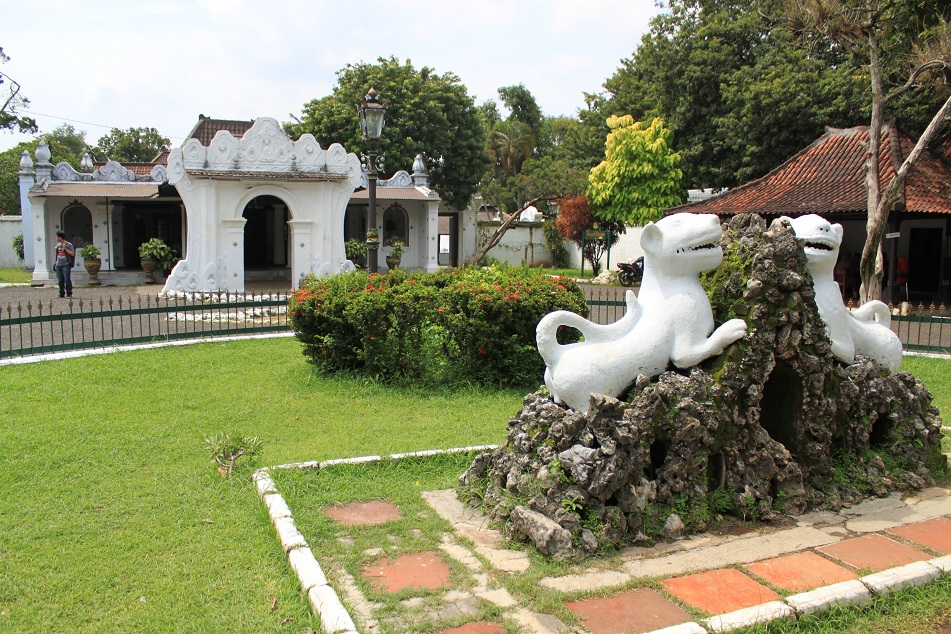 Twin White Tigers Welcome Visitors to Cirebon's Keraton Kasepuhan (Palace of the House of Elders)