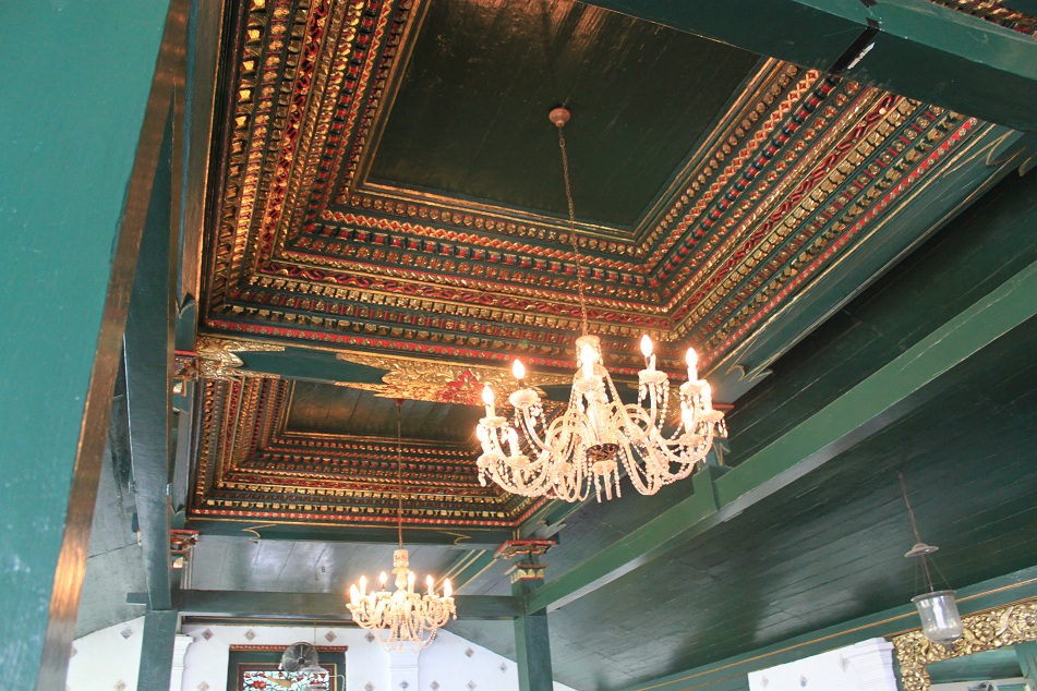 Decorative Elements of the Ceiling