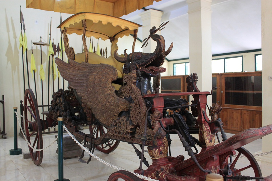 The 300 years old Royal Chariot