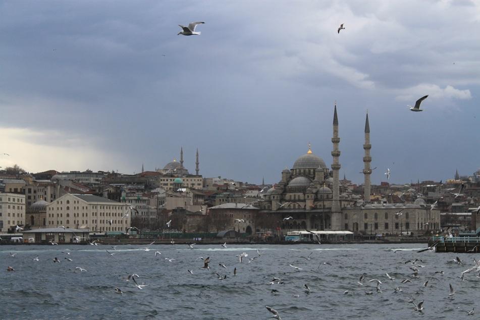 Eminönü Neighborhood across Beyoğlu