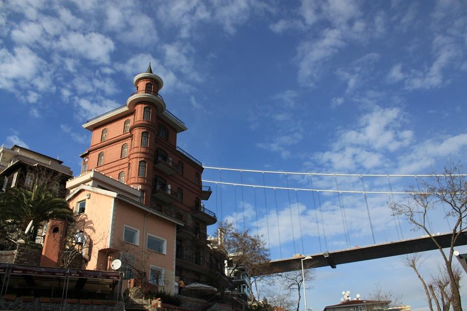 Perili Köşk (Haunted Mansion) near Fatih Sultan Mehmet Bridge