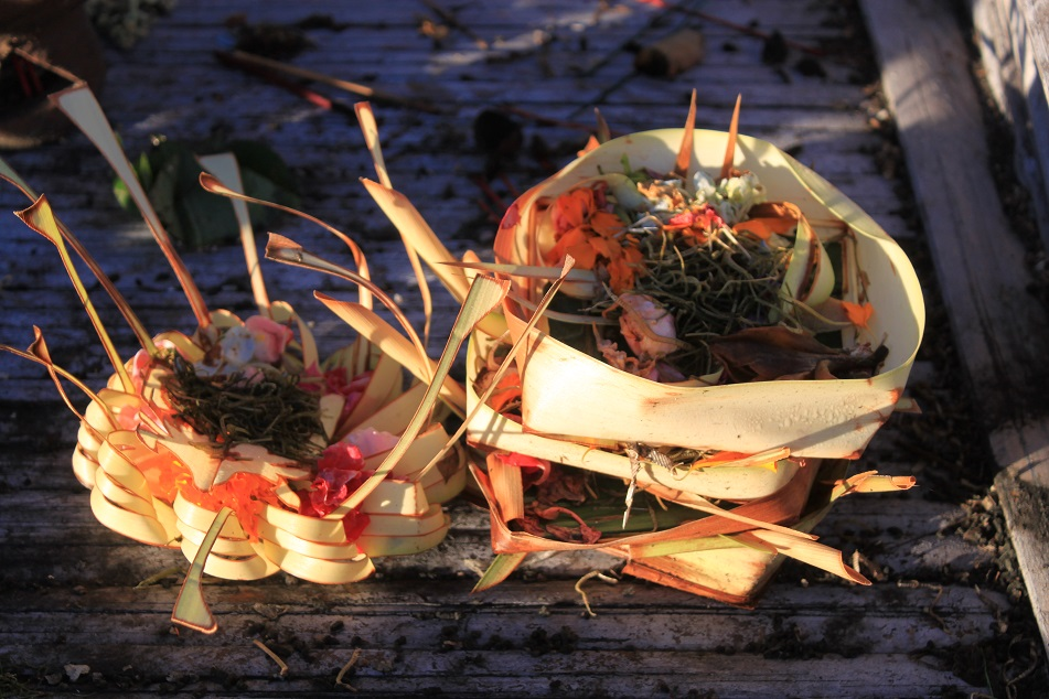 Hindu Offerings Similar to Balinese Canang Sari