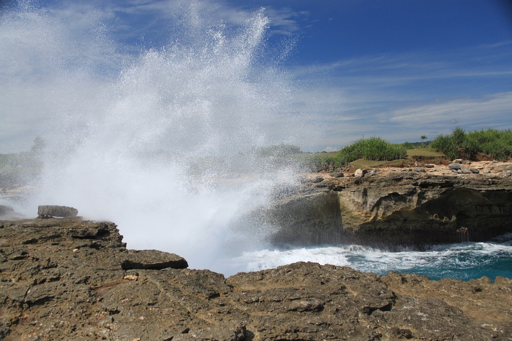 The Dramatic Swash at Devil's Tears