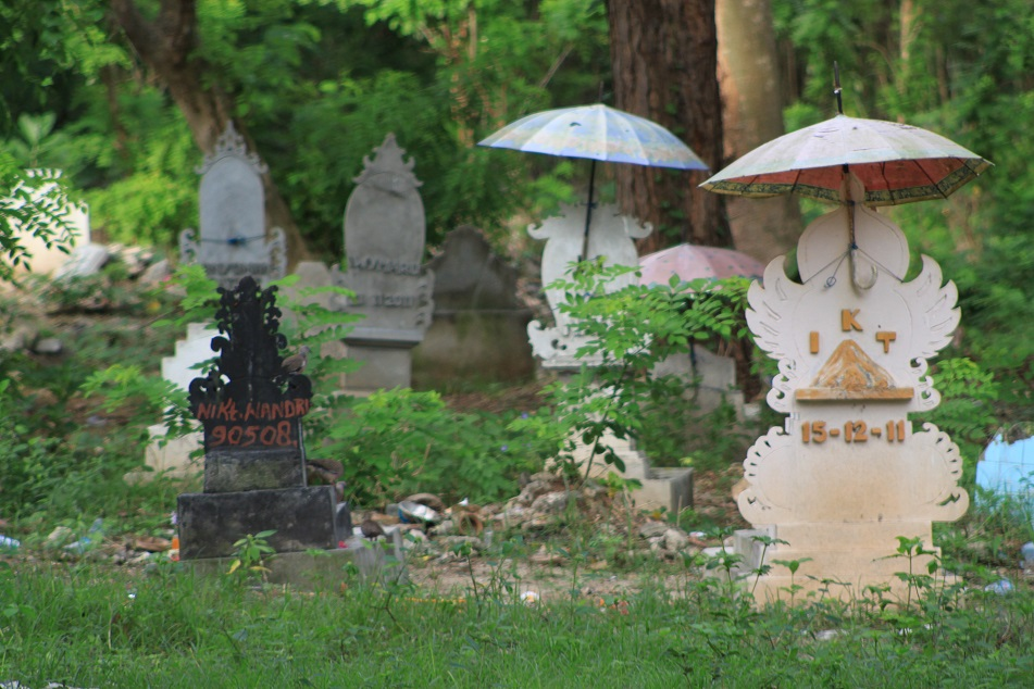 Tombs with Umbrellas