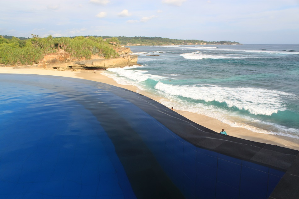 The Beachside Pool, Dream Beach
