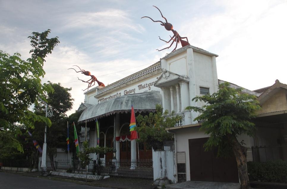 The Marabunta Theater