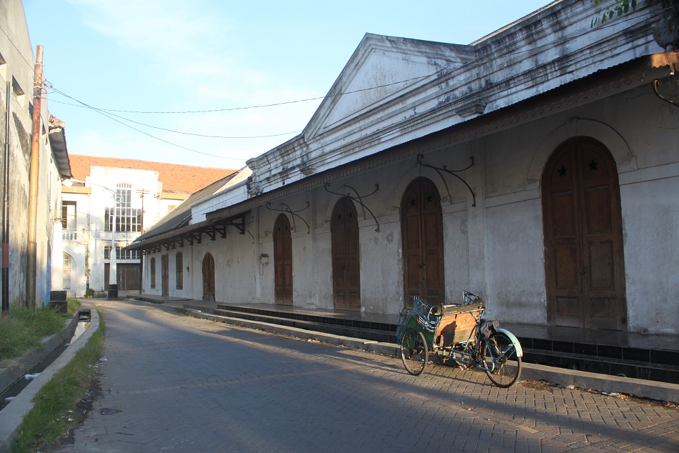The Quiet Alleys of Kota Lama