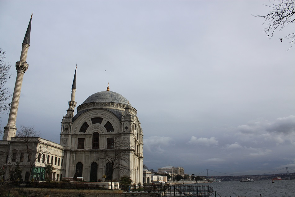 Dolmabahçe Mosque on the Ground of Ottoman's Last Palace