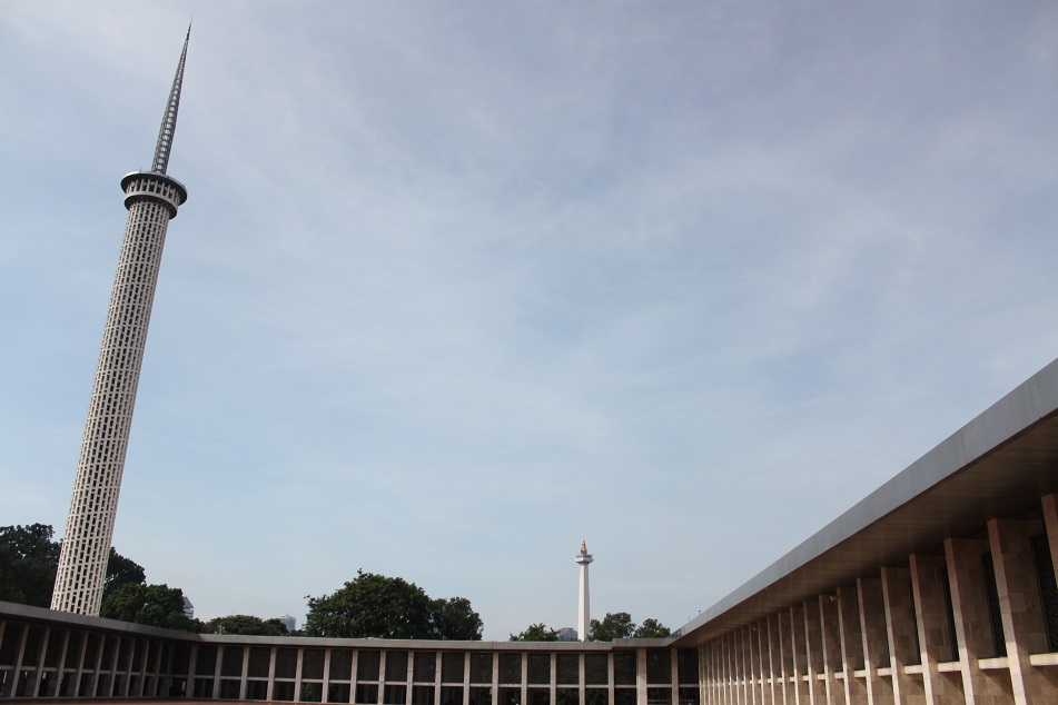 The Two Towers: Istiqlal's Minaret (left) & Monas