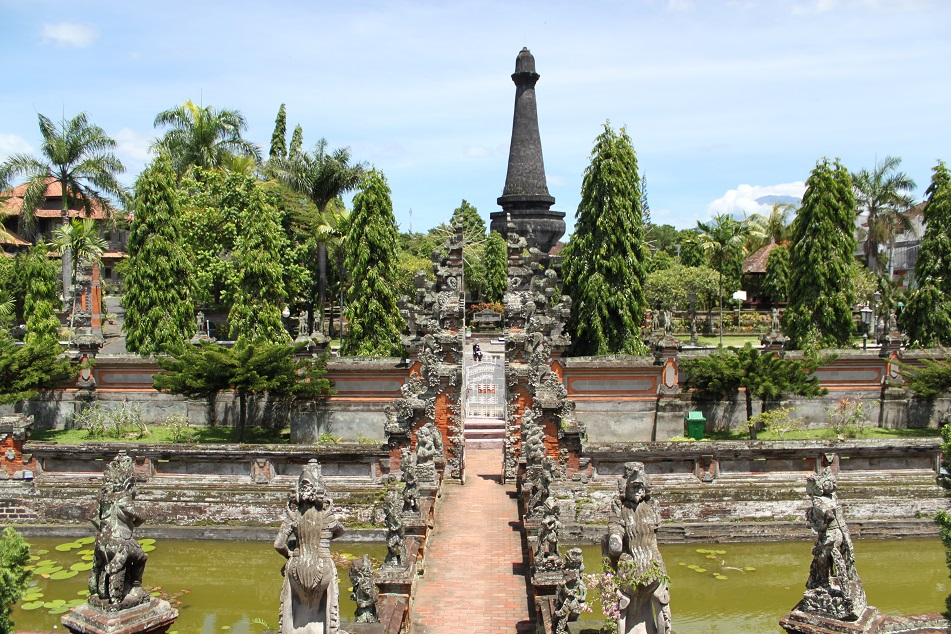 Puputan Monument of Klungkung, Near Kerta Gosa