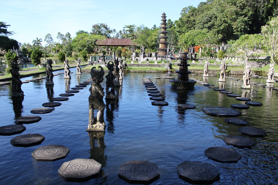 The Pool of Statues