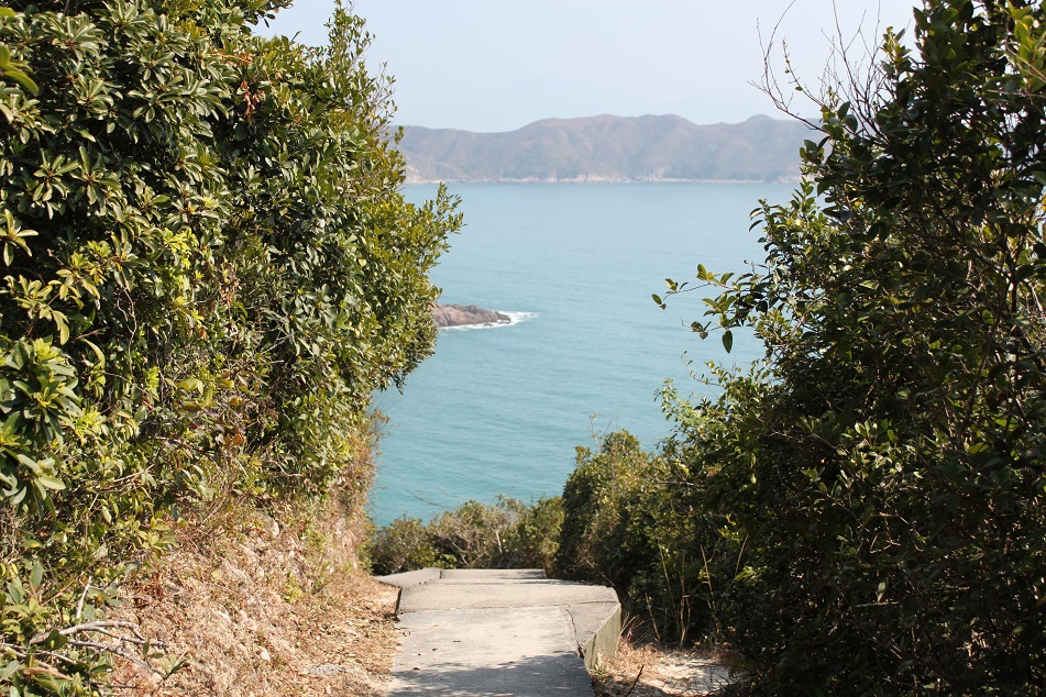 Entering Ham Tin Wan