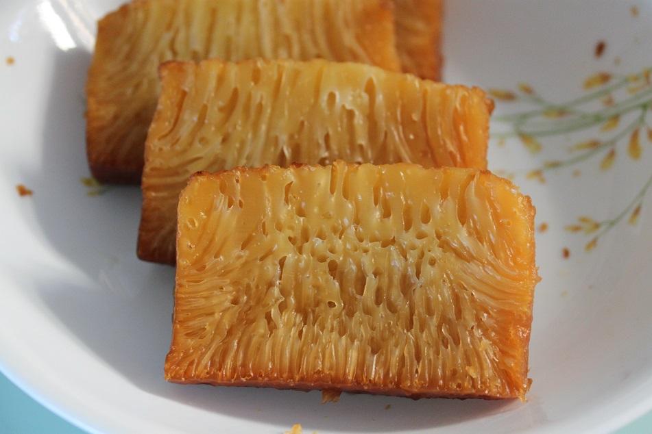 Honeycomb Cake, ...