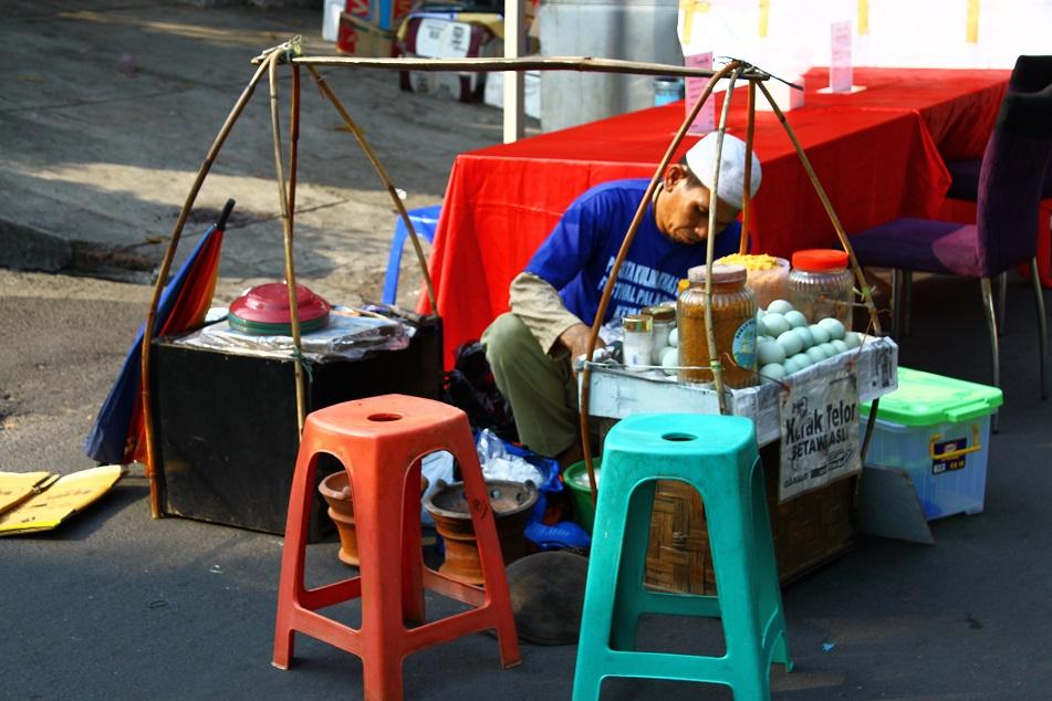 A Kerak Telor Street Vendor
