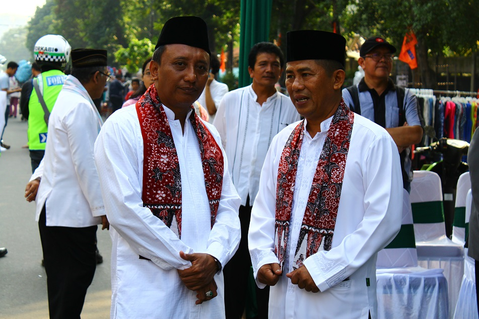 Men in Betawi Costume