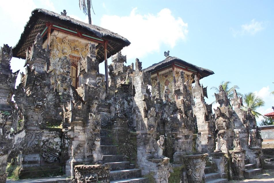 Pura Dalem Jagaraga's Inner Pavilions
