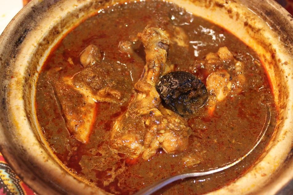 Ayam Buah Keluak, Chicken with Keluak (Pangium edule)