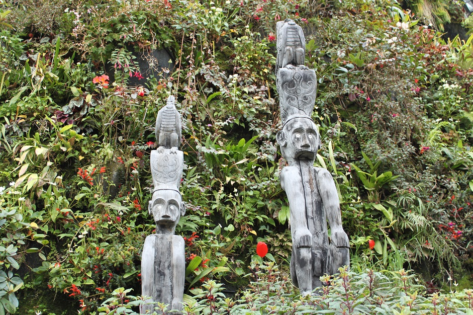More East Timorese Sculptures
