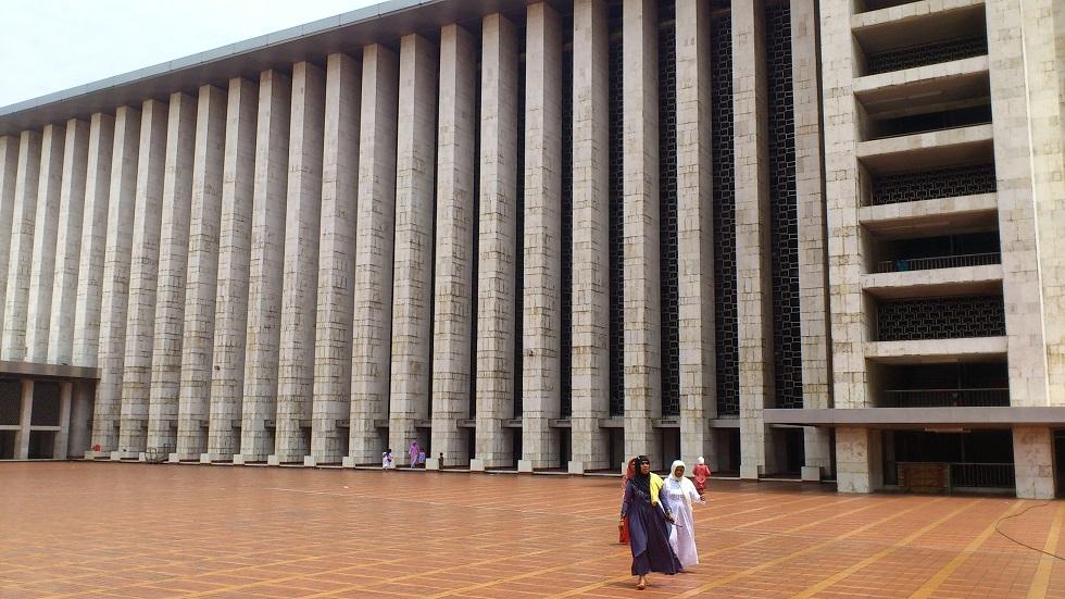 Communist-Inspired Columns
