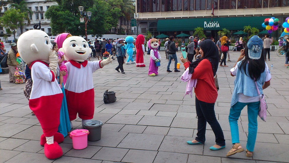 Taking Photos with Funny Characters