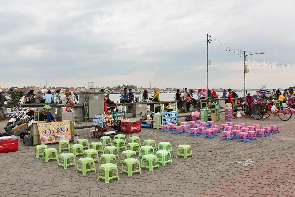 Mie Tektek Vendors at the Banks of the Musi
