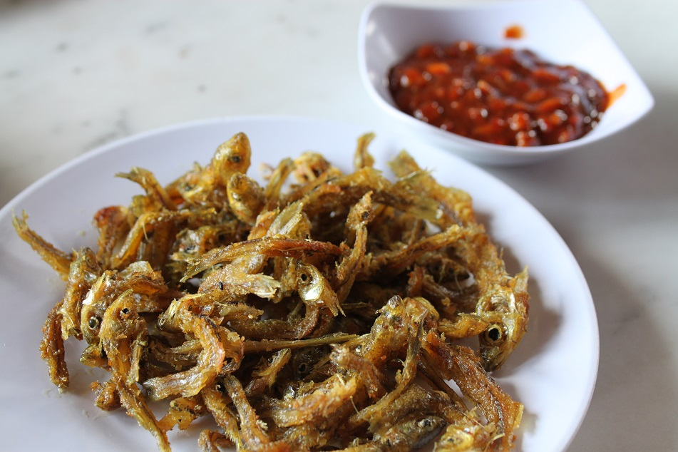 Tiny Seluang Fish, Deep Fried