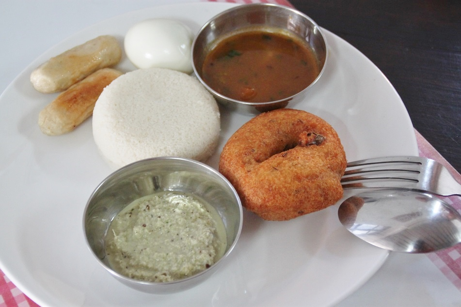 Idli (White) & Vadai (Brown), Typical South Indian Breakfast Dishes