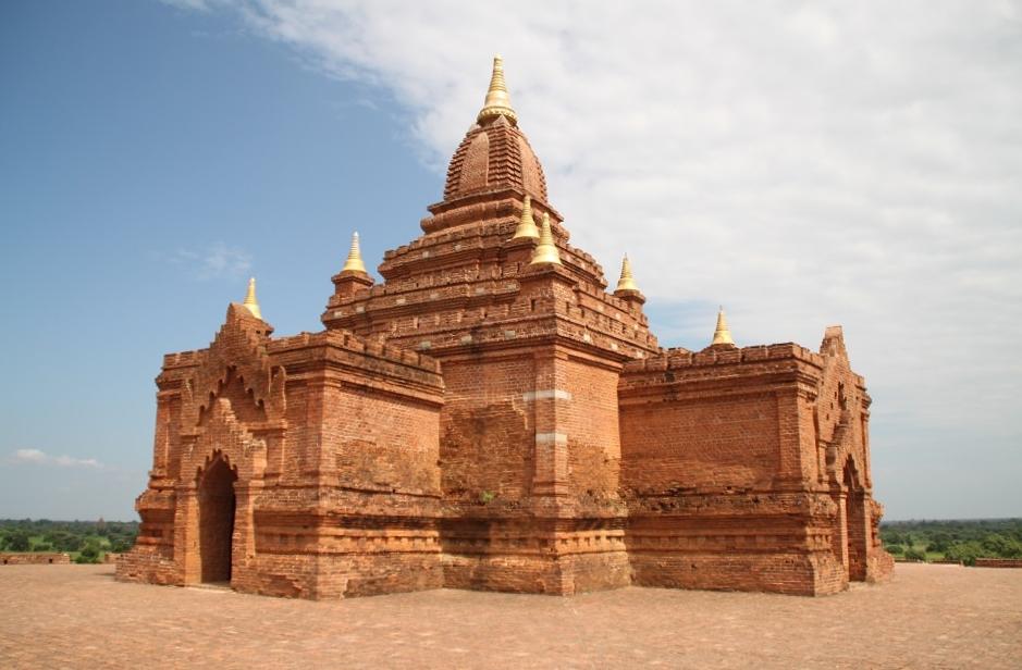 A Small Shrine on Top of Pyathadar