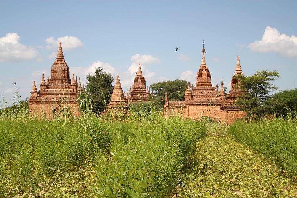 Small Temples Near Pyathadar