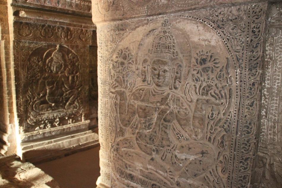 Carvings inside Nanpaya