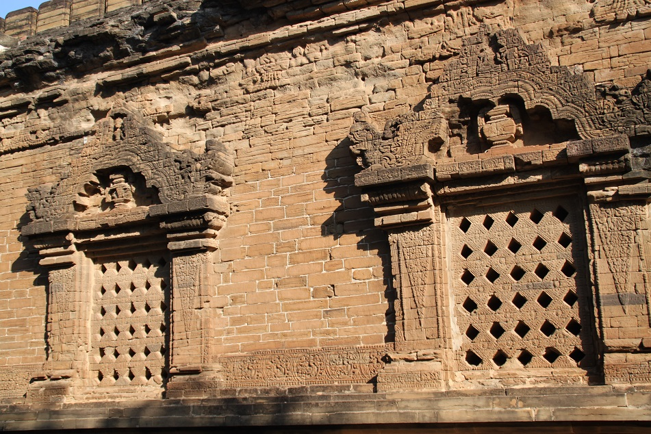 Nanpaya's Decorated Windows