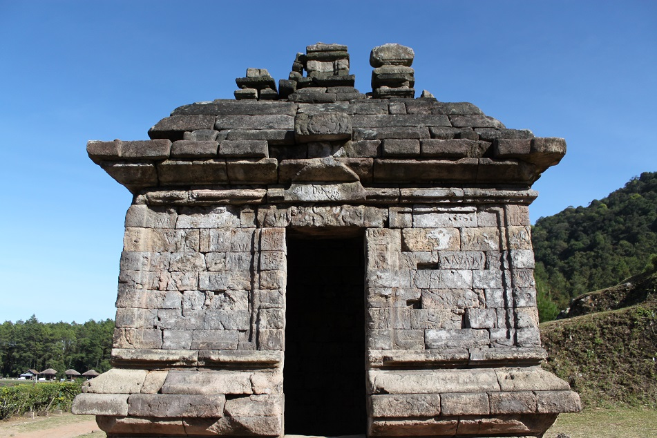 Close Up of A Mandapa, Gedong III
