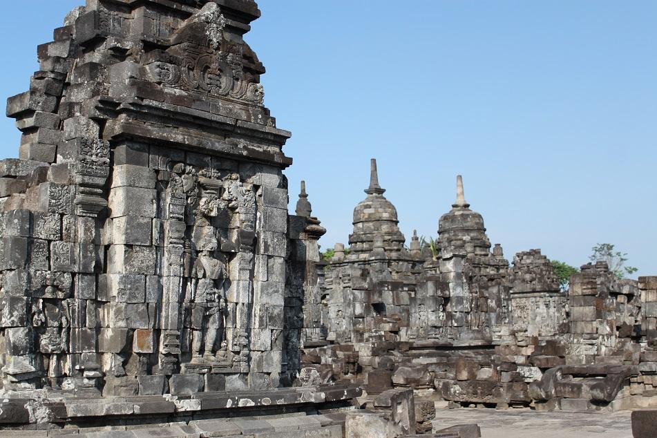 Avalokitesvara and Buddhist Stupas