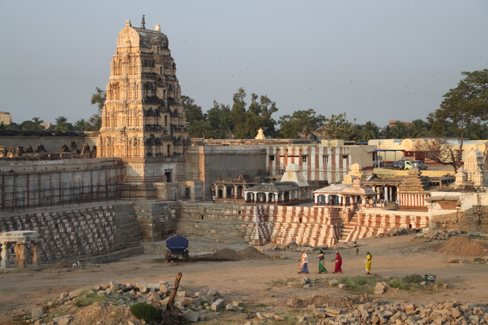 Life around the Temple
