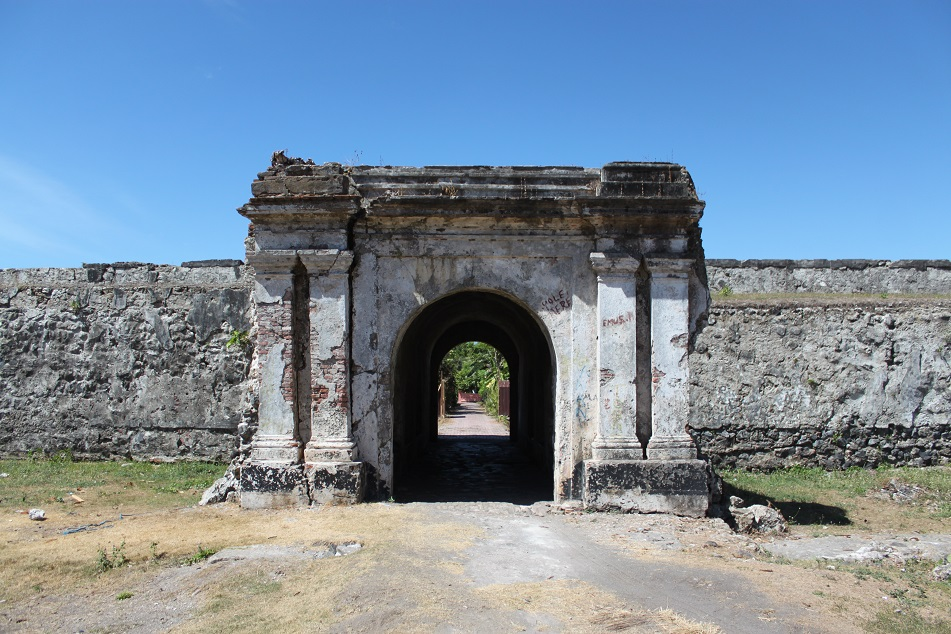 The Early 17th-Century Fort Nassau