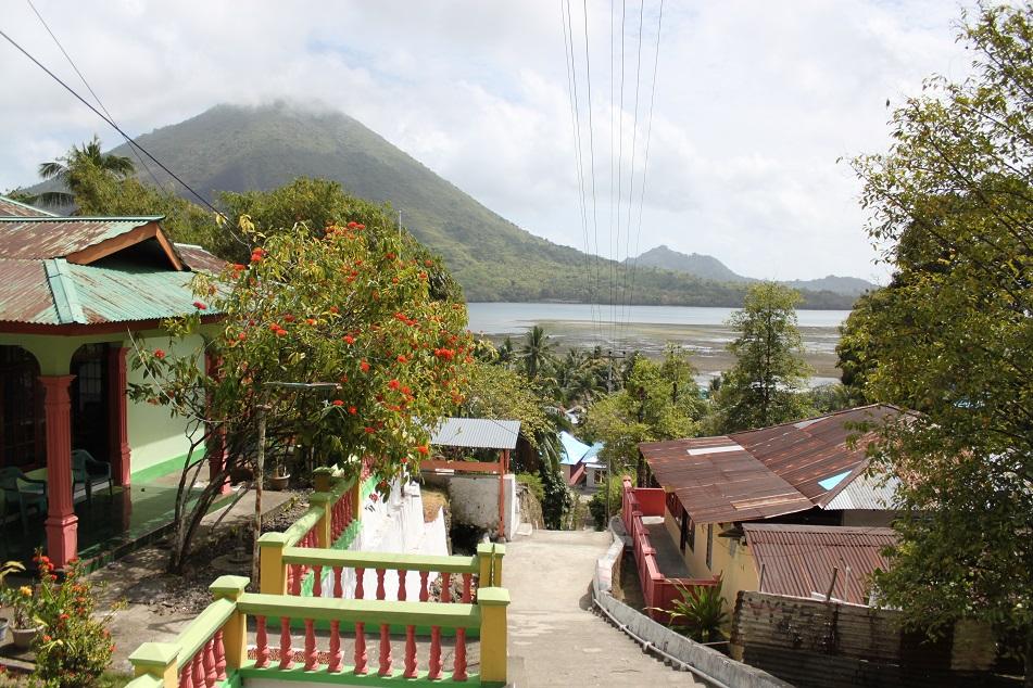 A Village on Lonthoir (Banda Besar)