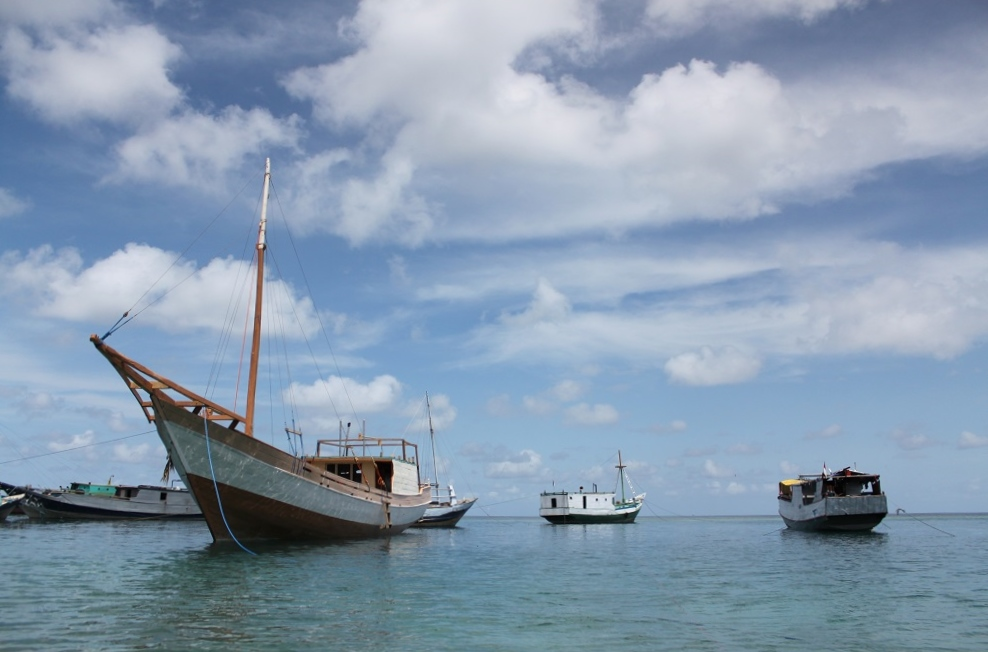 Fishing Boats around Run