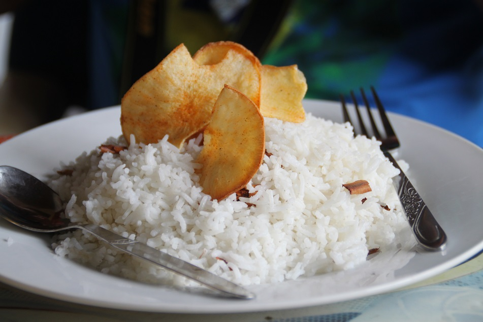 Rice with Cinnamon and Cassava Chips
