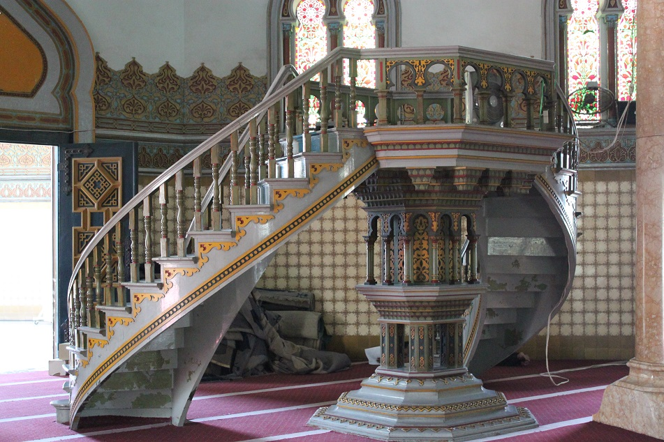A Secondary Pulpit (?)