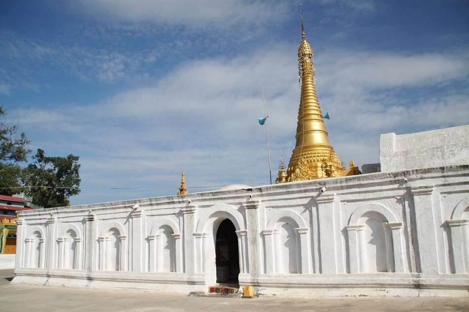 A Shrine Next to Shwe Yan Pyay